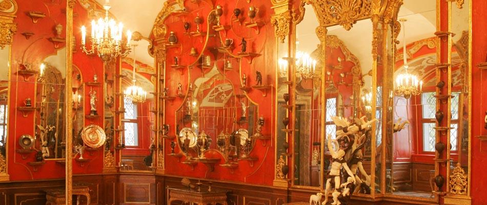Historisches Gruenes Gewoelbe im Dresdner Schloss